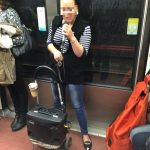 パリのメトロ車内で歌う人を発見!大道芸人から学ぶマナーの良さとは何か?
