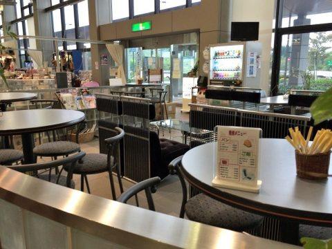 コウノトリ但馬空港のカフェ