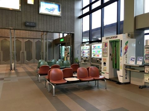 コウノトリ但馬空港の施設