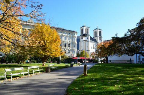 ミラベル宮殿の紅葉が美しい!秋のザルツブルグを散策