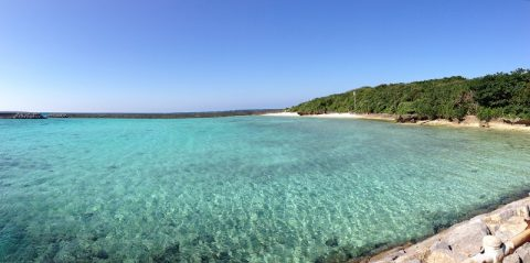 珊瑚礁の海に浮かぶ美しい鳩間島の反対側で見たものは…?