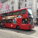 ロンドン【2階建てバス】先頭座席の座り心地をレポート!眺めの良い特等席は争奪戦必至?
