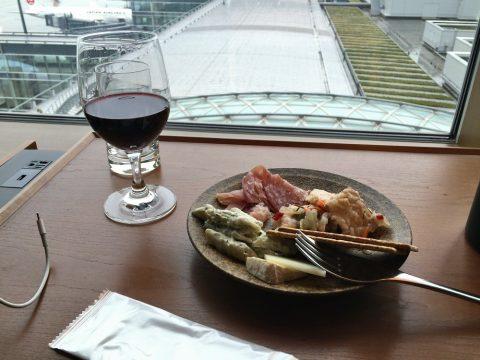 やはりヌードルバーは凄かった!羽田空港キャセイ航空ラウンジ