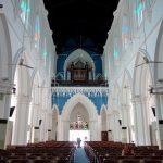 入口はコチラ!「セント・アンドリュース教会」の内部へ潜入