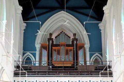 セント・アンドリュース教会の内部