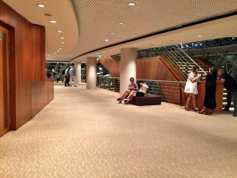 シンガポール交響楽団/エスプラネードコンサートホール2階ホワイエ