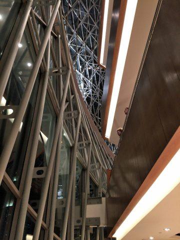 エスプラネードコンサートホールのロビーの天井
