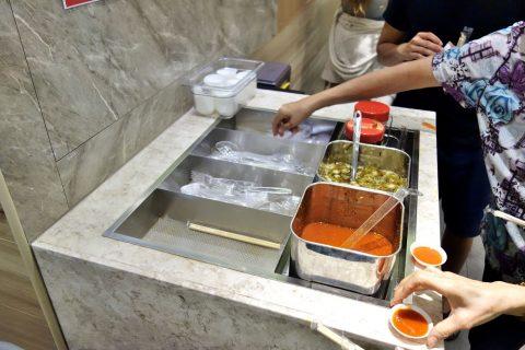 Hawker-CHAN「香港油鶏飯・面」の薬味