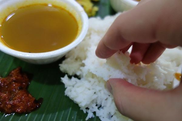 Kamala RESTAURANT‐手で食べるカレーに挑戦!