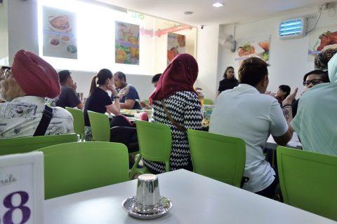 シンガポールKamala-RESTAURANTはムスリムが多い