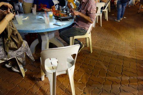 Makansutra-Gluttons-Bayの座席