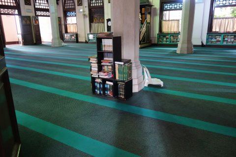 ハジャ・ファティマ・モスクは小規模