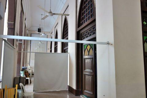 ハジャ・ファティマ・モスクの礼拝堂のサイド