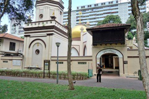 ハジャ・ファティマ・モスクへ潜入