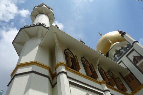 サルタン・モスクの建立