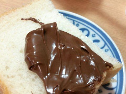 ヌテラ(Nutella)はナッツの香り