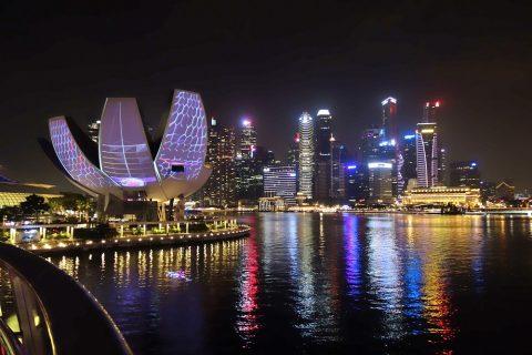 シンガポールHelix-Bridge高層ビル群