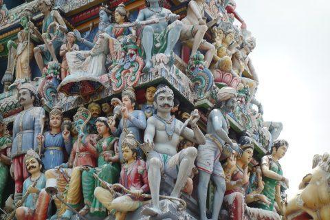 スリ・マリアマン寺院(シンガポール)の人物像
