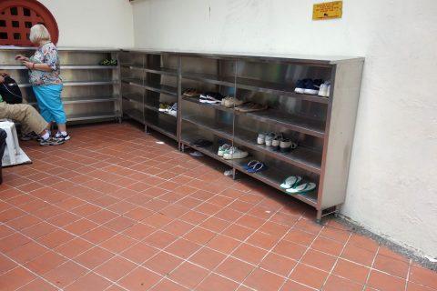 スリ・マリアマン寺院(シンガポール)の靴箱
