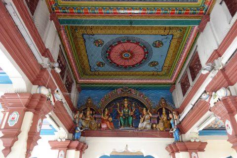 スリ・マリアマン寺院(シンガポール)の天井装飾
