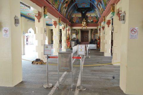 スリ・マリアマン寺院(シンガポール)の主祭壇を臨む