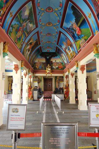 スリ・マリアマン寺院(シンガポール)の美しい天井画