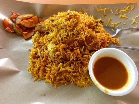 リトルインディア「テッカセンター」で食べるビリヤニ