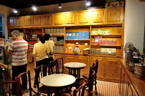 鳳凰餅家の店内のインテリア