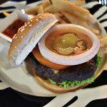 ナイトサファリのレストランBONGO BURGERSで食レポ!「ビーフバーガー」の味