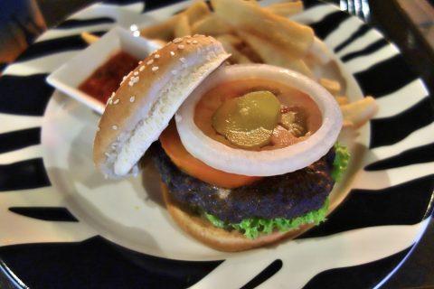 ナイトサファリのレストランBONGO BURGERSのハンバーガー