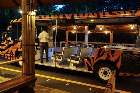 シンガポール「ナイトサファリ」トラムの車両