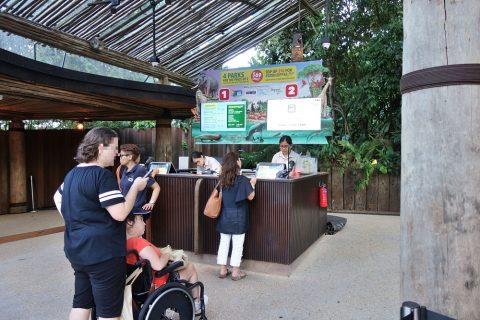 シンガポール「ナイトサファリ」チケットカウンター