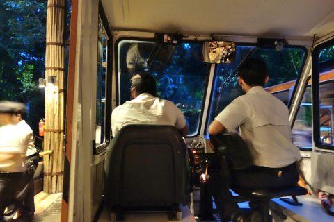 シンガポール「ナイトサファリ」トラムの先頭座席
