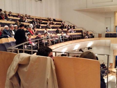 シドニーCity-Recital-Hallの100席以上の3階席