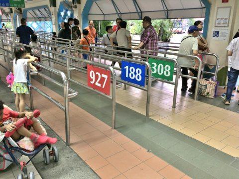 シンガポールバスターミナルのレーン