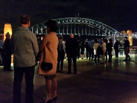 シドニーオペラハウスから見る夜景とハーバーブリッジ