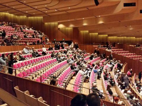 シドニーオペラハウス2階の客席