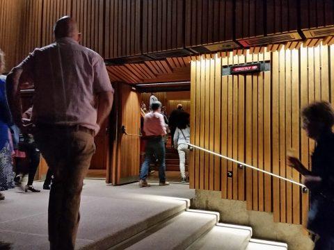 シドニーオペラハウス客席への入口