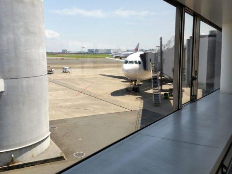 JAL459便のタラップ