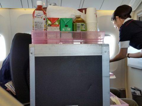 JAL国際線機材クラスJのドリンクサービス