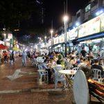 クアラルンプール「アロー通り屋台街」アクセスと混雑状況を見る