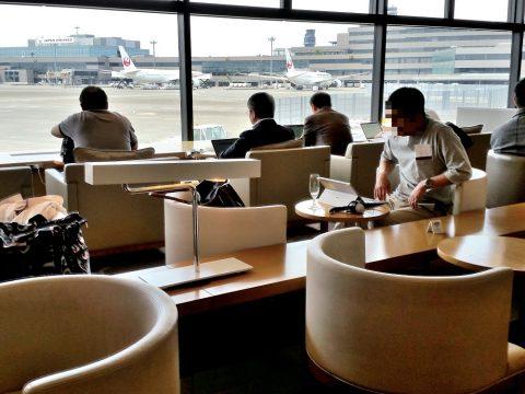成田空港サクララウンジ(サテライト)混雑