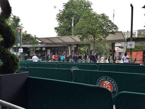 全仏オープンテニス会場メインゲート近く