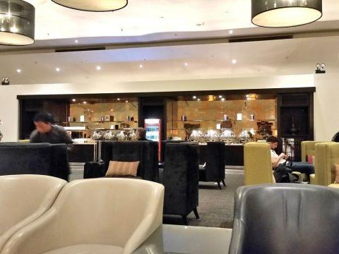マレーシア航空ゴールデンラウンジサテライトのビュッフェ