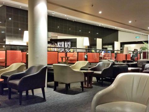 マレーシア航空ゴールデンラウンジサテライトの座席数