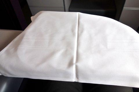 マレーシア航空A330ビジネスクラスのテーブルクロス