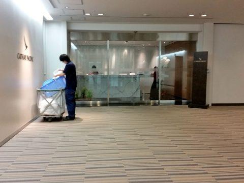 成田空港「キャセイパシフィック」ラウンジエントランス