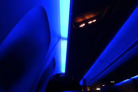 JAL離着陸時の機内照明