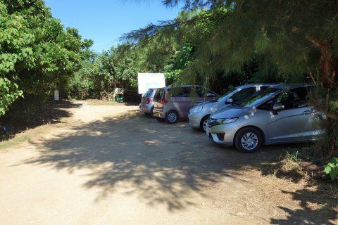 来間島の長間浜の駐車場