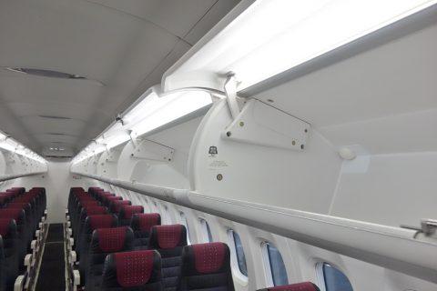 琉球エアコミューターRAC/DHC8-Q400CCの荷物棚